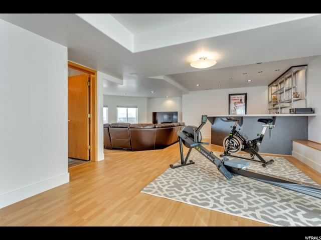 2275 LAKELINE DR Salt Lake City, UT 84109 - MLS #: 1507389