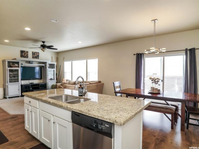 1057 BLACKSTONE DR Fruit Heights, UT 84037 - MLS #: 1507723