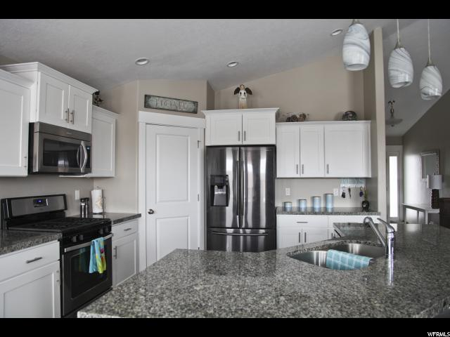 6421 W ANNANDALE WAY West Jordan, UT 84081 - MLS #: 1507744