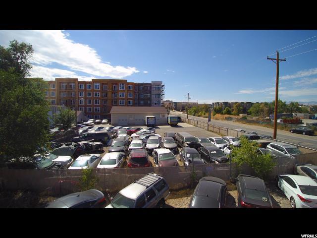 Commercial pour l Vente à 22-06-102-001, 4165 S MAIN Street 4165 S MAIN Street Millcreek, Utah 84107 États-Unis