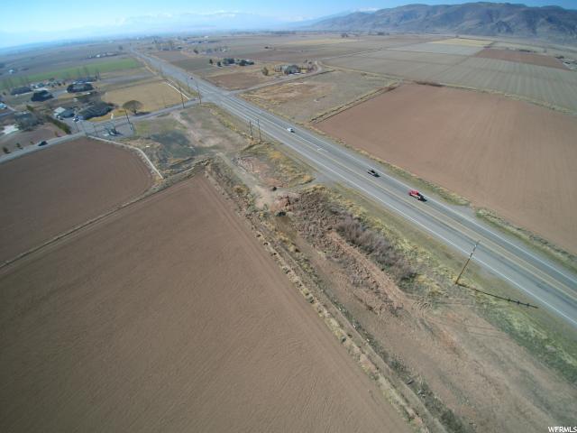 Terrain pour l Vente à 1 CENTER ST AND STATE RD #118 1 CENTER ST AND STATE RD #118 Central Valley, Utah 84754 États-Unis