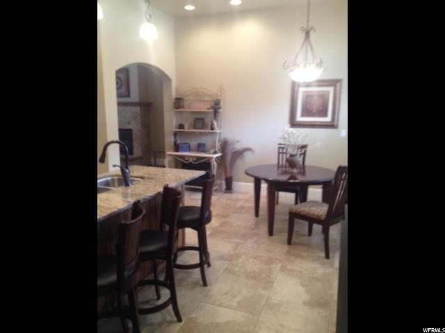 Appartement en copropriété pour l Vente à 5198 N UNIVERSITY Avenue 5198 N UNIVERSITY Avenue Unit: 405 Provo, Utah 84604 États-Unis