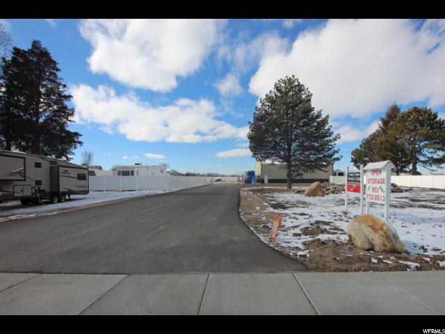 Terrain pour l Vente à 1957 N 2000 W 1957 N 2000 W Farr West, Utah 84404 États-Unis