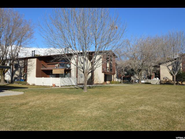 共管式独立产权公寓 为 销售 在 352 E 2550 N 352 E 2550 N Unit: 15 North Ogden, 犹他州 84414 美国