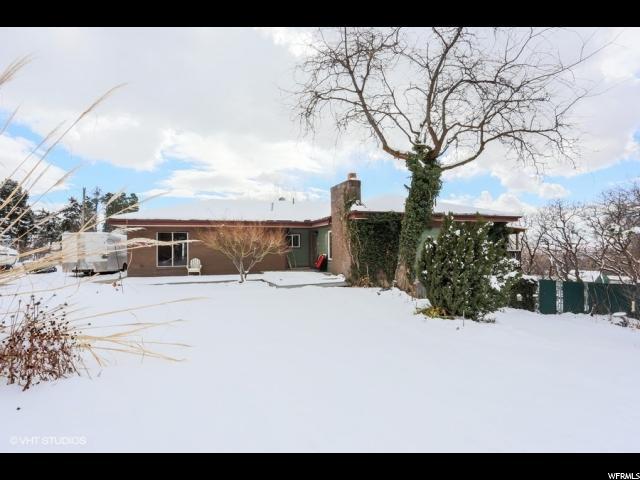 单亲家庭 为 销售 在 1340 E OAKMONT Lane 1340 E OAKMONT Lane Fruit Heights, 犹他州 84037 美国