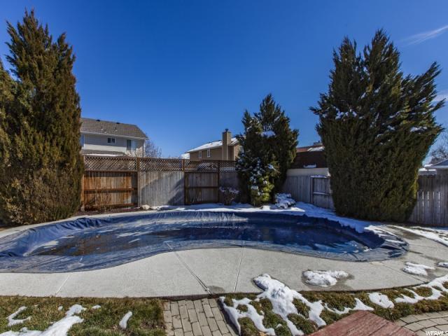 Additional photo for property listing at 5923 S NOBLE OAKS Circle 5923 S NOBLE OAKS Circle Murray, Utah 84123 Estados Unidos