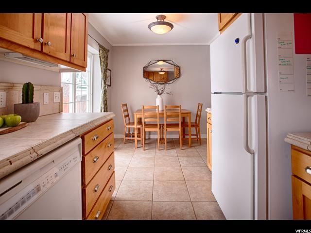 Additional photo for property listing at 2169 E WILSON Avenue 2169 E WILSON Avenue Salt Lake City, Utah 84108 Estados Unidos