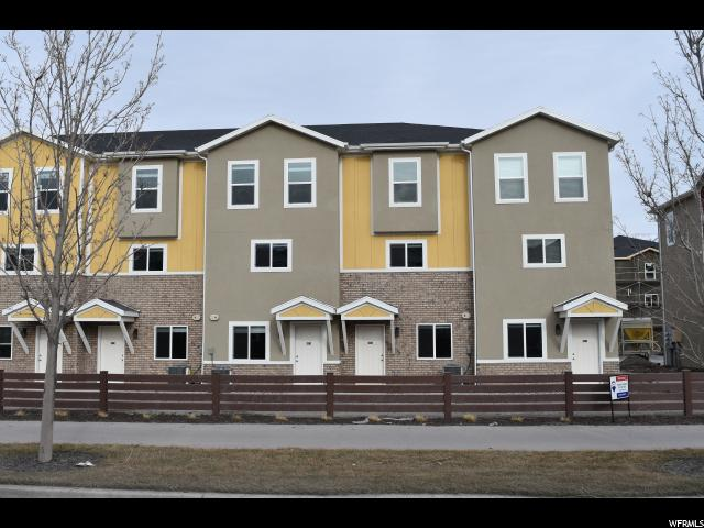 Townhouse for Sale at 661 N 30 E 661 N 30 E Vineyard, Utah 84058 United States