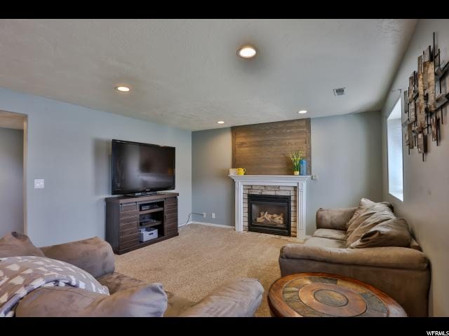 Additional photo for property listing at 8353 S MCGREGOR Lane 8353 S MCGREGOR Lane West Jordan, Utah 84088 États-Unis