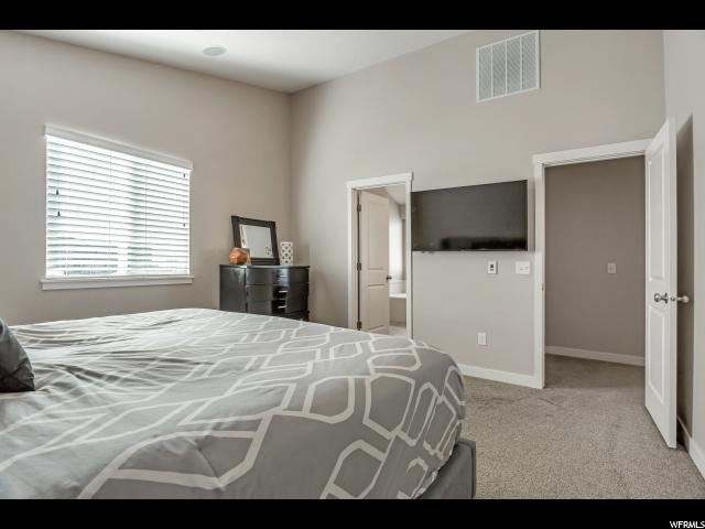 907 W FARNHAM DR North Salt Lake, UT 84054 - MLS #: 1509881