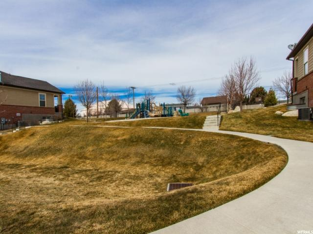 Additional photo for property listing at 3107 W BALD MOUNTAIN Drive 3107 W BALD MOUNTAIN Drive Taylorsville, Utah 84129 États-Unis