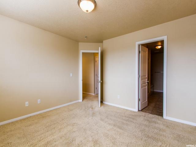 Additional photo for property listing at 3107 W BALD MOUNTAIN Drive 3107 W BALD MOUNTAIN Drive Taylorsville, Utah 84129 Estados Unidos