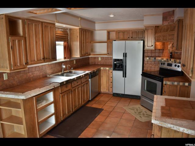 4443 S ROXBOROUGH CT West Valley City, UT 84119 - MLS #: 1510156