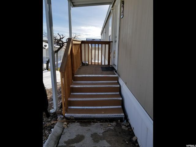 Частный односемейный дом для того Продажа на 217 2500 N FORT Lane 217 2500 N FORT Lane Layton, Юта 84041 Соединенные Штаты
