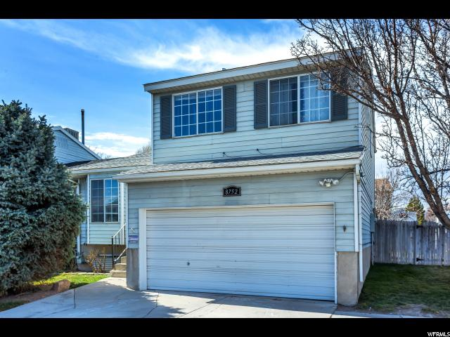 Twin Home للـ Sale في 8752 S PINION Lane 8752 S PINION Lane West Jordan, Utah 84088 United States