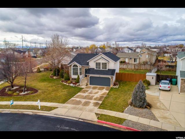 Один семья для того Продажа на 210 W 2100 S 210 W 2100 S Clearfield, Юта 84015 Соединенные Штаты