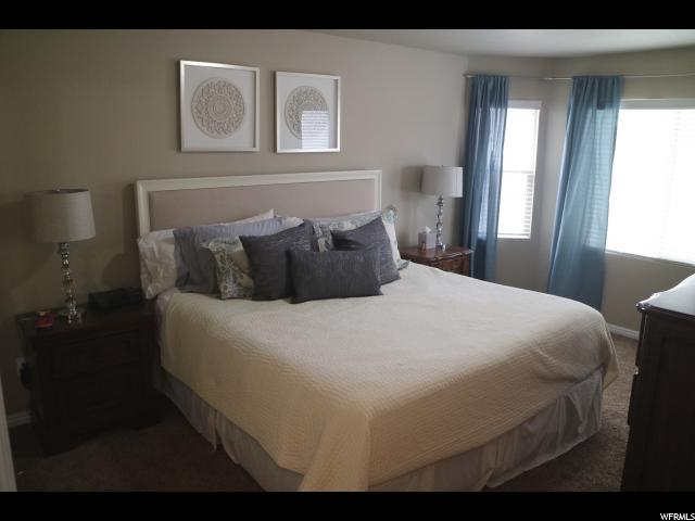Additional photo for property listing at 684 W 1045 N 684 W 1045 N Centerville, Utah 84014 États-Unis