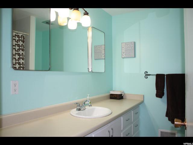 2105 E ROLLING KNOLLS WAY Cottonwood Heights, UT 84121 - MLS #: 1511902