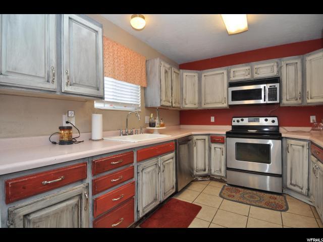 9691 S STONEHAVEN ST South Jordan, UT 84095 - MLS #: 1512269