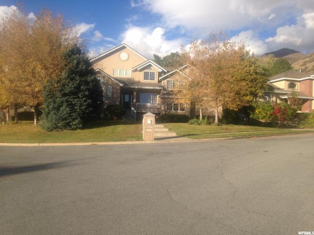 Single Family للـ Sale في 1644 OLD LAKE Lane 1644 OLD LAKE Lane Fruit Heights, Utah 84037 United States