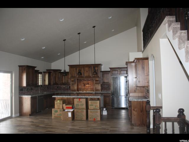 375 S WILLOW PINE LN Layton, UT 84041 - MLS #: 1517899