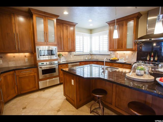1742 E CRIMSON OAK DR Draper, UT 84020 - MLS #: 1519023