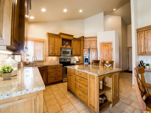 10529 S WILLOW VALLEY RD South Jordan, UT 84095 - MLS #: 1519411