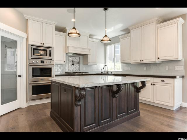 1034 W RIVER PASS LN South Jordan, UT 84095 - MLS #: 1519893