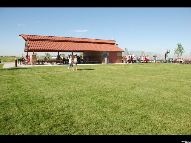 905 W STONEHAVEN DR Unit 196 North Salt Lake, UT 84054 - MLS #: 1520997