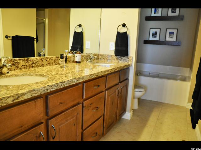 711 W MYSTIC CREEK WAY South Jordan, UT 84095 - MLS #: 1524304