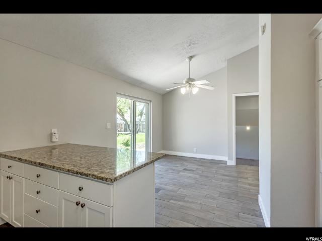 910 E PEACH BLOSSOM CIR Sandy, UT 84094 - MLS #: 1524309