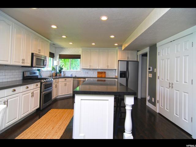 963 W MEADOWLARK LN West Bountiful, UT 84087 - MLS #: 1526439
