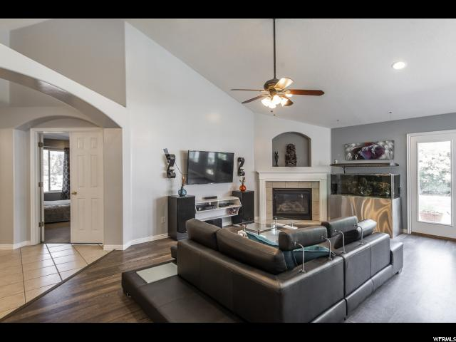 1909 S CHELEMES WAY Clearfield, UT 84015 - MLS #: 1529491
