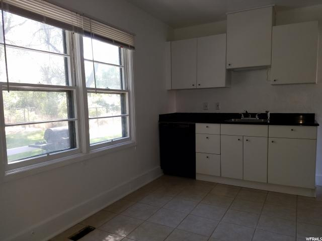 342 W GORDON AVE Layton, UT 84041 - MLS #: 1530614