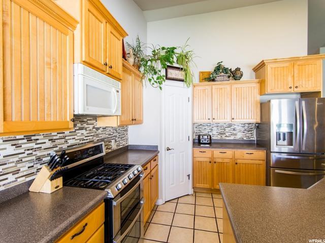 6726 W HUNTER FARM CIR West Valley City, UT 84128 - MLS #: 1530904