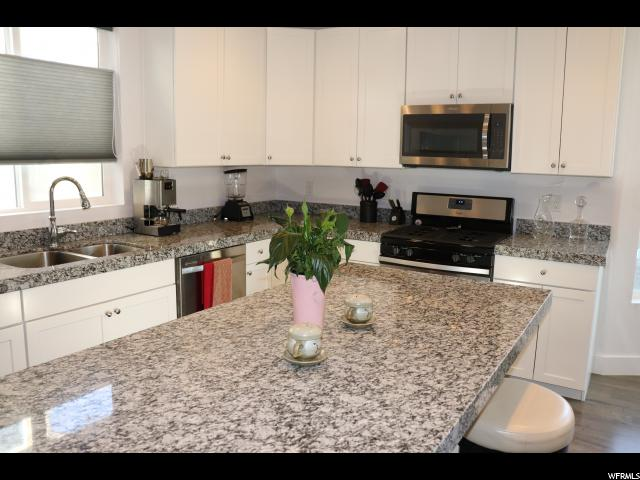 692 E HILLOCK CT Unit 4 Draper, UT 84020 - MLS #: 1531168