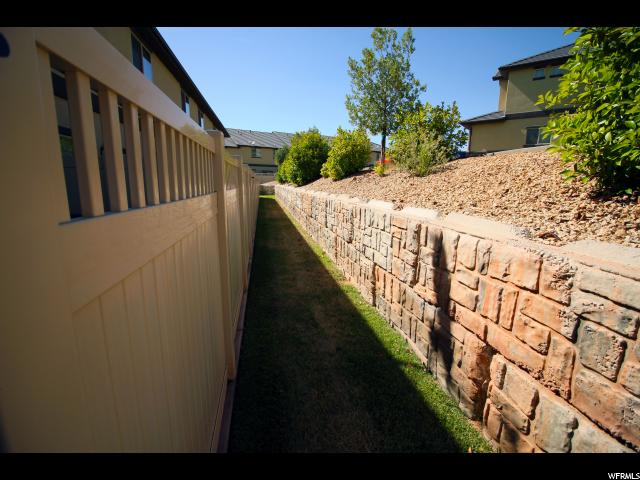 1287 W SHADOW POINT DR Unit 14 St. George, UT 84770 - MLS #: 1531288