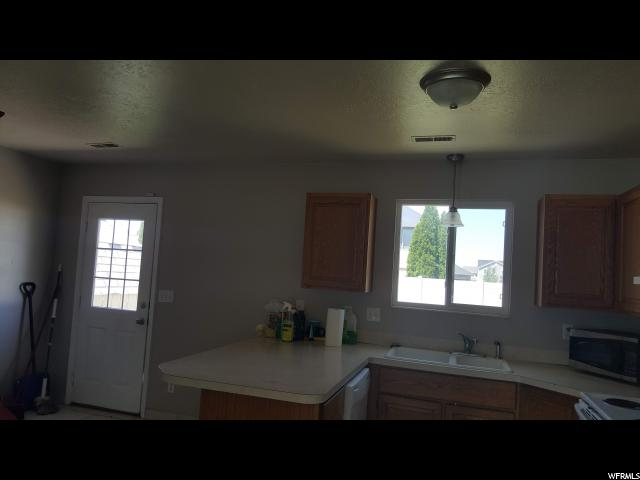 987 S 1480 Clearfield, UT 84015 - MLS #: 1531713