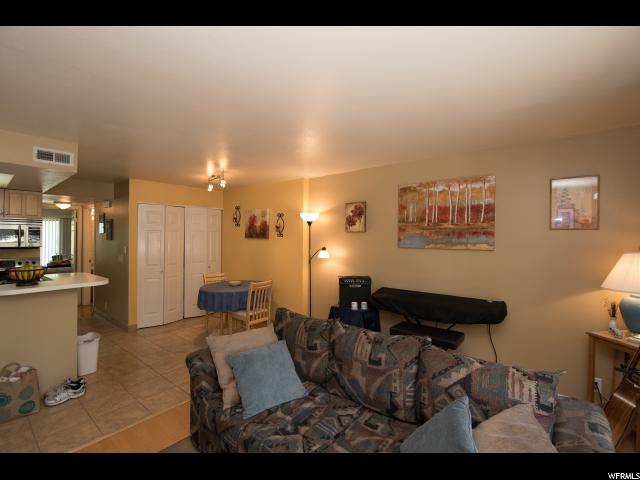 985 E SPRINGCREST CT Unit 21 Midvale, UT 84047 - MLS #: 1531836