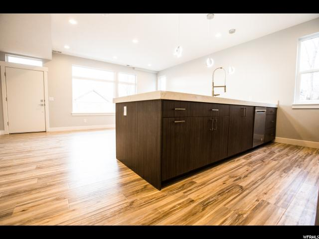 764 N MARMALADE LN Unit 10 Salt Lake City, UT 84103 - MLS #: 1531902