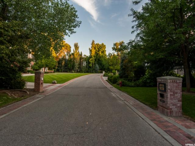 5472 S WALKER ESTATES CIR Holladay, UT 84117 - MLS #: 1539611