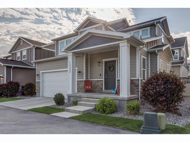 MLS #1548182 for sale - listed by Ricardo Martinez, RE/MAX Masters