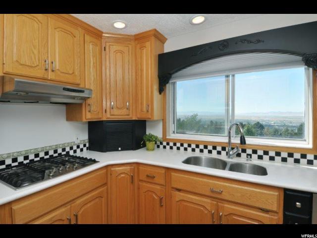 86 N VIEWCREST VIEWCREST Bountiful, UT 84010 - MLS #: 1556132