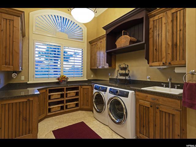 13477 S Aintree E AVE, Draper, Utah 84020, 5 Bedrooms Bedrooms, ,5 BathroomsBathrooms,Single family,For sale,S Aintree E AVE,1562449