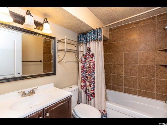 1811 N 450 450 North Ogden, UT 84414 - MLS #: 1570333