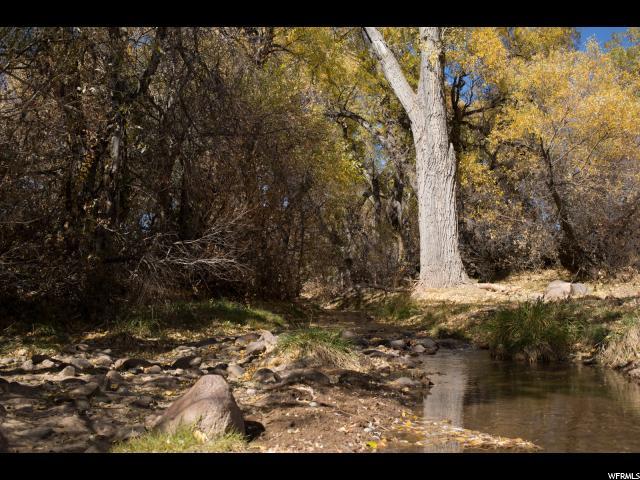 1012 LN E Ash Creek Ln