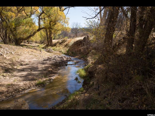 1094 LN E Ash Creek Ln