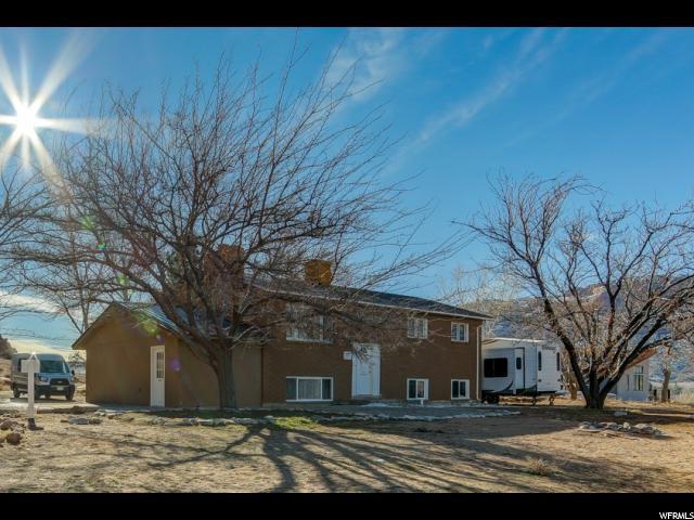 Outstanding 3990 Chapman Lane Moab Utah 84532 Duplex Homes For Sale Home Interior And Landscaping Spoatsignezvosmurscom