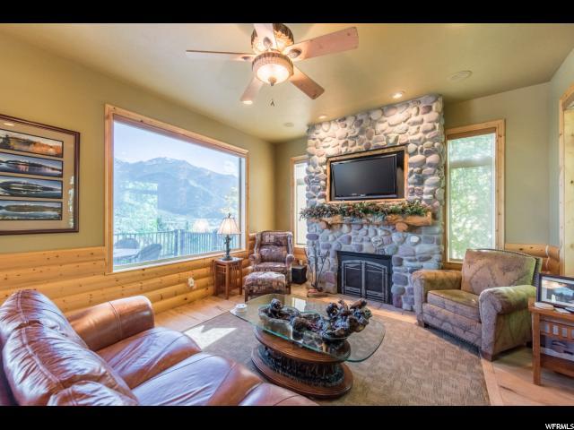 5530 W Mountain View N Dr