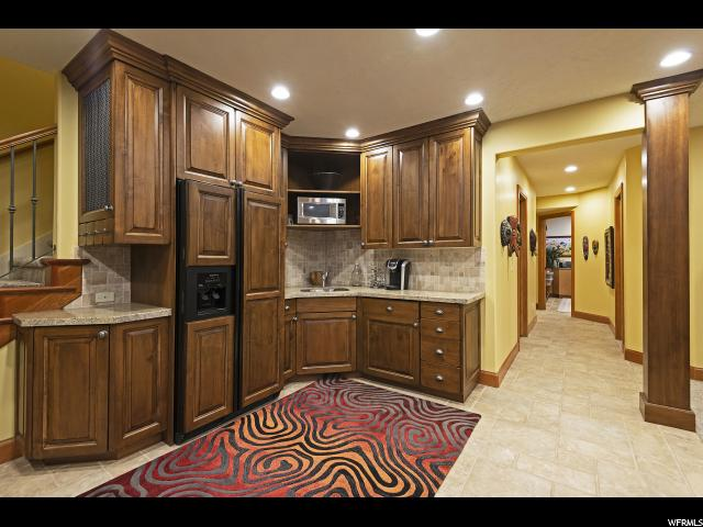 963 E Old English RD, Draper, Utah 84020, 7 Bedrooms Bedrooms, ,7 BathroomsBathrooms,Single family,For sale,E Old English RD,1582203